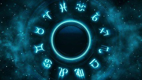 Die Radix zeigt die zwölf Sternzeichen. - Foto: LeArchitecto/iStock