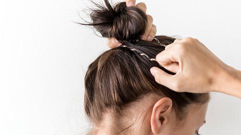 Für diese Frisuren brauchst du gerade einmal 5 Minuten! - Foto: Rawpixel/ istock