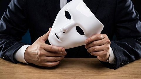 Daran erkennst du einen Psychopathen. - Foto: kuppa_rock/istock