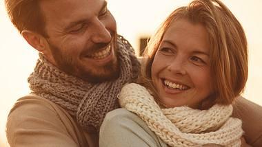In wen wir uns verlieben ist unvorhersehbar - doch diese 7 Fakten haben einen entscheidenden Einfluss, ob wir uns zum Beispiel ungewollt verlieben... - Foto: fotostorm / iStock