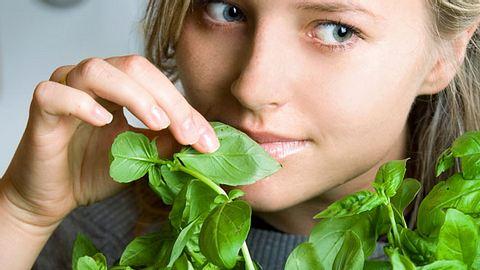 Abnehmen mit Basilikum: Mit diesem Schlank-Trick verlierst du zwei Kilo pro Woche - Foto: iStock