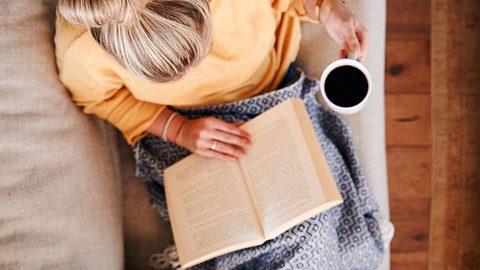 Achtsamkeitsbücher, die entspannen und Freude machen - Foto: iStock/monkeybusinessimages