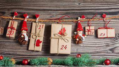 So kannst du deinen Adventskalender selbst füllen - Foto: Istock