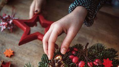 Ein Adventskranz strömt ätherische Öle aus - und die heilen! - Foto: iStock