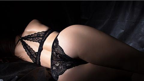 Analsex gehört heutzutage zum bunten Repertoire der Sex-Praktiken einfach mit dazu. Aber welche sind die besten Stellungen dafür? - Foto: iStock