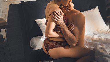 Analspielzeug als Paar oder beim Solo-Sex auszuprobieren, ist immer aufregend - Foto: iStock/LightFieldStudios