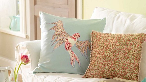 Diese Kissen machen Ihr Sofa noch entspannter! - Foto: DECO & STYLE EXPERTS