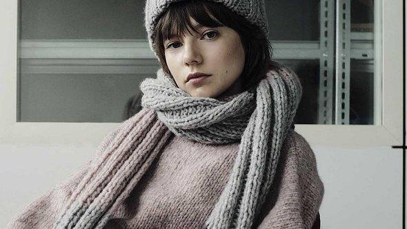 Mit diesem Schal dürfen die kalten Tage gerne kommen. - Foto: Vitali Gelwich