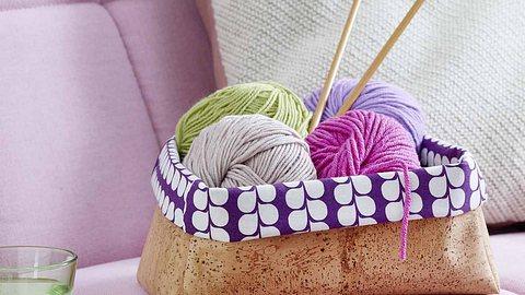 In diesem Körbchen macht sich nicht nur Wolle gut. - Foto: DECO & STYLE EXPERTS