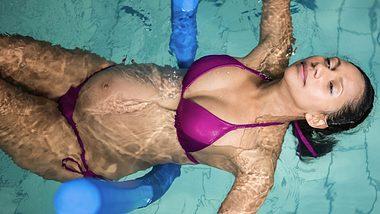 Aquafitness ist ein Sport, der auch in der Schwangerschaft kein Problem ist. - Foto: iStock/Wavebreakmedia
