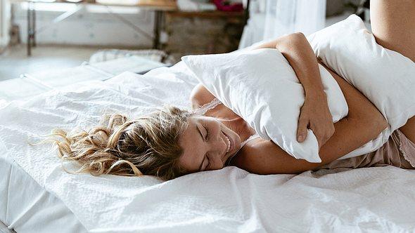 Mit einem Auflegevibrator lässt sich wunderbar die Klitoris stimulieren - Foto: iStock