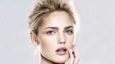 augenbrauen schminken natuerlich und ausdrucksstrak - Foto: Thinkstock
