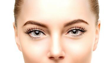 augenform make up - Foto: Istock