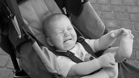 In den USA hat eine Frau ein Baby absichtlich angehustet. - Foto: istock/ BarashenkovAnton