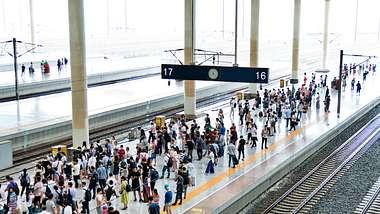 Bahnstreik - Foto: iStock/baona