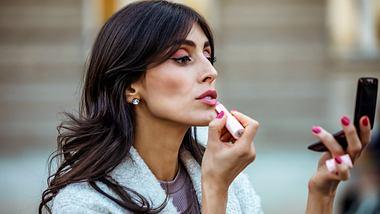 Diese 5 traumhaften Beauty-Trends sind im Herbst und Winter 2021 total angesagt! - Foto: RealPeopleGroup/iStock