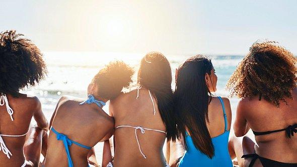 Bikinifigur in zwei Wochen durch dieses Training. - Foto: PeopleImages/iStock