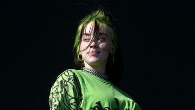 Wir verraten alles über die neue und brandheiße Billie Eilish x Bershka-Kollektion! - Foto: Getty Images