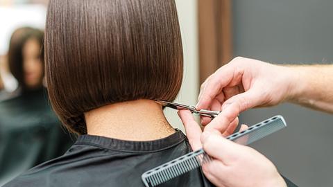 Jede Frau über 30 sollte diese 3 coolen Bob-Frisuren kennen - Foto: okskukuruza/iStock