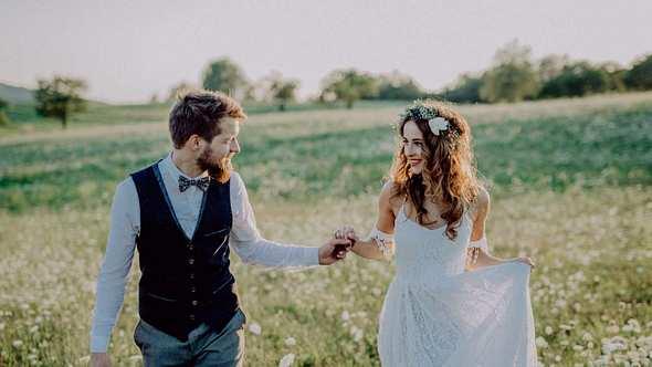 Brautkleid: Für Männer sieht das perfekte Hochzeitskleid so aus - Foto: iStock