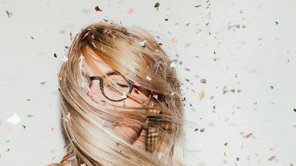 Diese Brillen sind 2021 angesagt! - Foto: AleksandarNakic/iStock