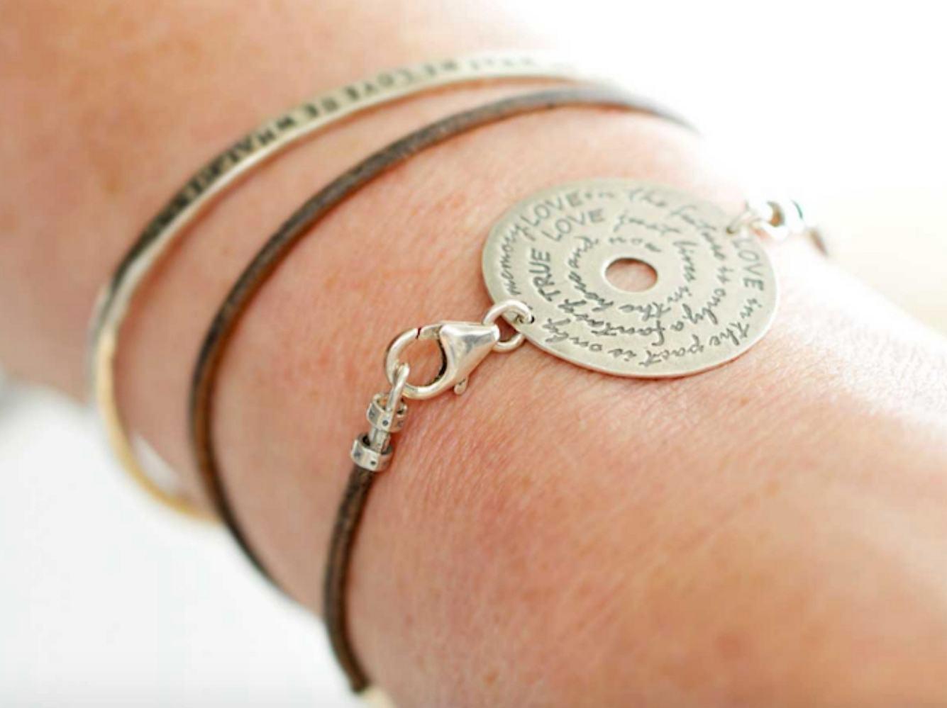 Das bedeutet das Buddha-Armband und hier kannst du die schönsten kaufen