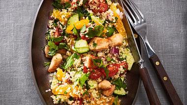 Frisch, fruchtig und einfach lecker - dieses Bulgursalat Rezept hat es in sich. - Foto: House of Food / Bauer Food Experts KG