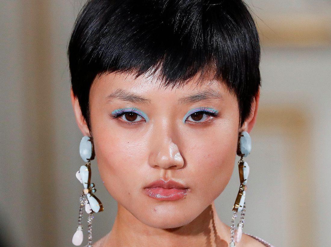 Bunter Eyeliner: Dieser Beauty-Trend bringt deine Augen zum Strahlen