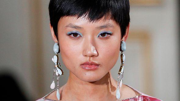 Bunter Eyeliner: Dieser Beauty-Trend bringt deine Augen zum Strahlen - Foto: Estrop/Getty Images
