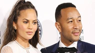 Chrissy Teigen und John Legend haben ihr drittes Kind verloren. - Foto: Getty Images