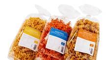 Die Nudeln sind aus Linsen, Kichererbsen oder Erbsen hergestellt. - Foto: PR: Clever Pasta