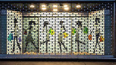 Einige Geschäfte haben die Corona-Pandemie nicht überstanden. - Foto: IMAGO / Arnulf Hettrich