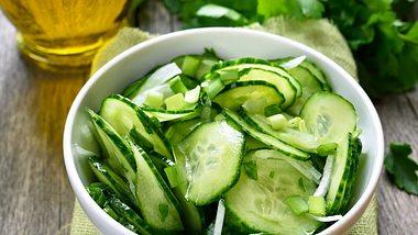 Dänischer Gurkensalat: Der Agurkesalat ist süß und lecker - Foto: voltan1/iStock
