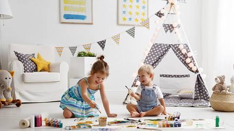 Deko Kinderzimmer: Damit machst du nicht nur die Kids glücklich - Foto: iStock/evgenyatamanenko