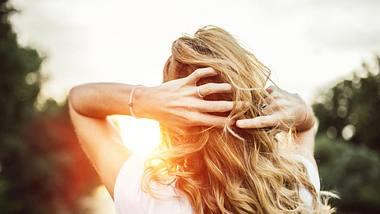 Dialled-Up-Blond: Die neue Trendfrisur für den Sommer 2019 - Foto: iStock