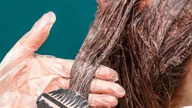 Diese 5 Haarfarben bringen mehr Farbe in dein Leben. - Foto: 2Ban/istock