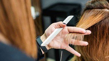 Im Sommer 2021 dürfen wir uns auf neue Trend-Frisuren freuen. - Foto: okskukuruza/istock