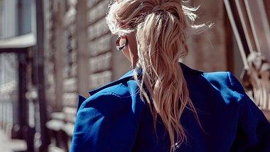 Diese drei Zopf-Frisuren sind im Winter 2020 mega angesagt - Foto: KrisCole/iStock