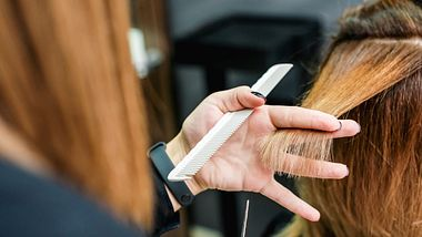 Diese 5 Frisuren für lange Haare sind gerade angesagt - Foto: iStock/okskukuruza