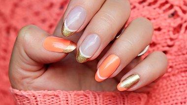 Double French Nails: Wir lieben den neuen Trend! - Foto: marigo20/iStock