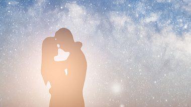 Dualseelen stehen in höchster spiritueller Verbindung zueinander - Foto: iStock