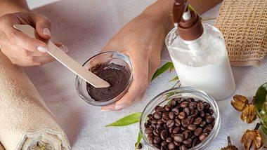 Zutaten für die Herstellung von Duschgel. - Foto: apomares/iStock