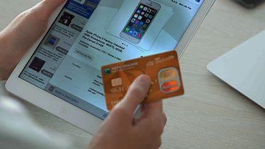 Ebay Kleinanzeigen gibt Tipps gegen Betrug. - Foto: iStock / pressureUA