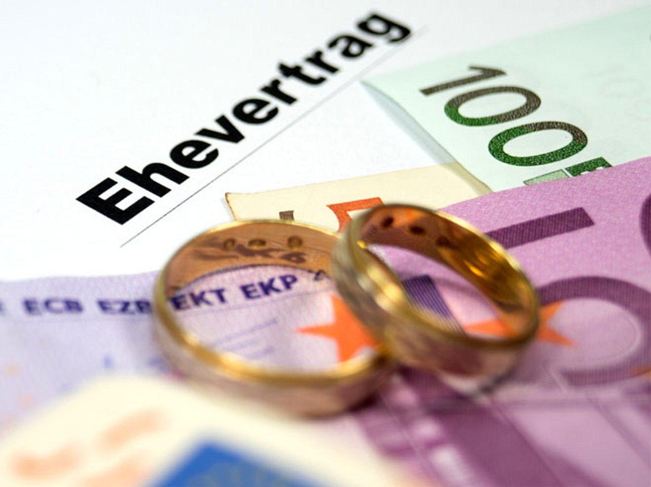 Die Gebühren für die Trauung im Standesamt sind in manchen deutschen Städten besonders teuer.
