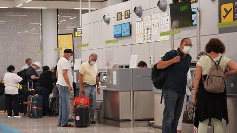 Spanien-Urlauber müssen auf verschärfte Regeln achten. - Foto: IMAGO / Die Videomanufaktur