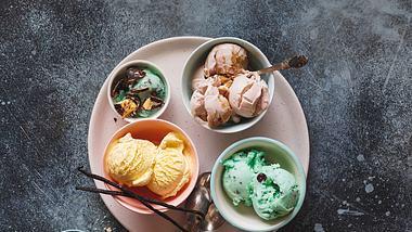 Mit dem Eis Grundrezept, kannst du dein eigenes Lieblingseis kreieren. - Foto: iStock/SStajic
