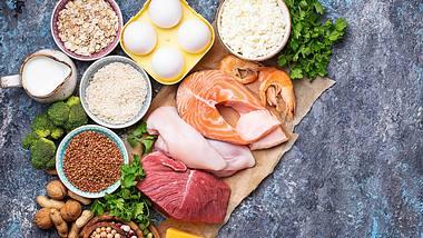 Mit dem Eiweiß-Diät-Plan verlierst du 5 kg in nur zwei Wochen. - Foto: iStock/yulka3ice