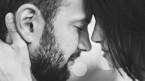 Emotionale Abhängigkeit ist keine Liebe, sondern geprägt durch Angst vor dem Alleinsein. - Foto: iStock