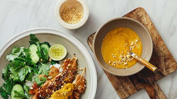 Unsere Erdnusssoßen passen einfach zu allen Gerichten der asiatischen Küche. - Foto: iStock/luchezar