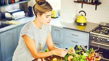 Ernährungsumstellung: Der 10-Punkte-Plan - Foto: iStock/ Neustockimages
